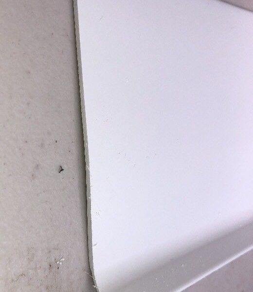 white sit on skirting
